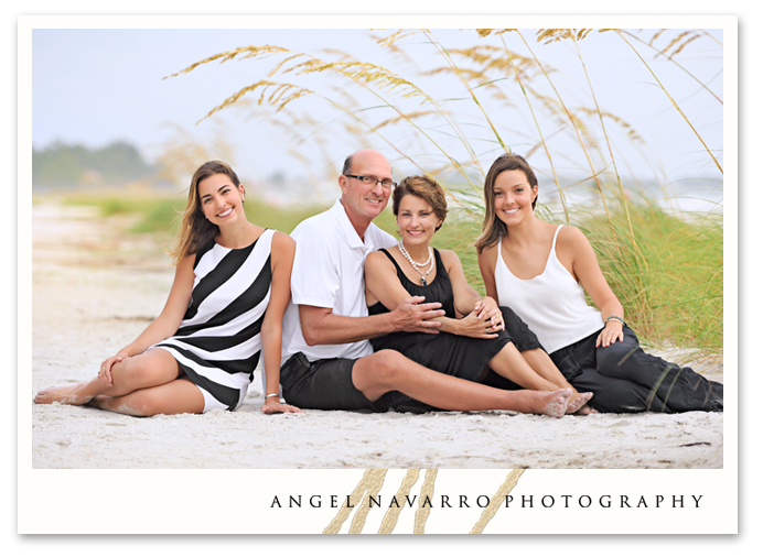 Family_Beach_Portrait_Sand_Seaoats