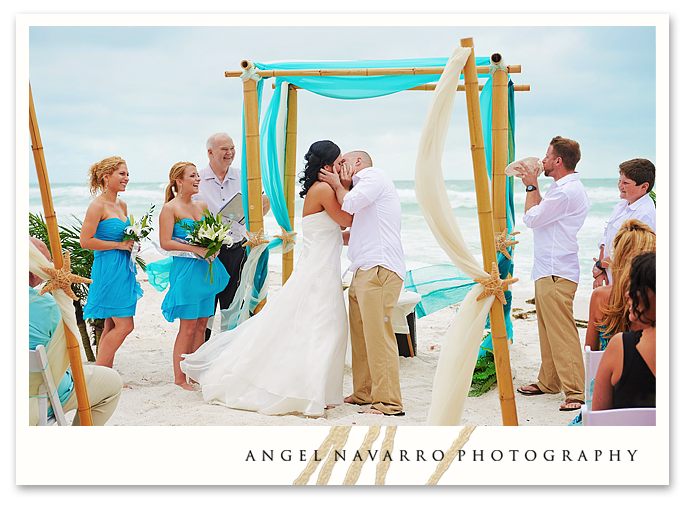 Bradenton Beach Wedding by Angel Navarro Photography