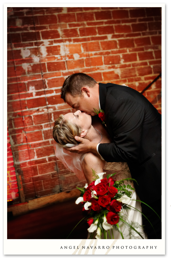 bride-groom-introduction-kiss-tampa-photographer