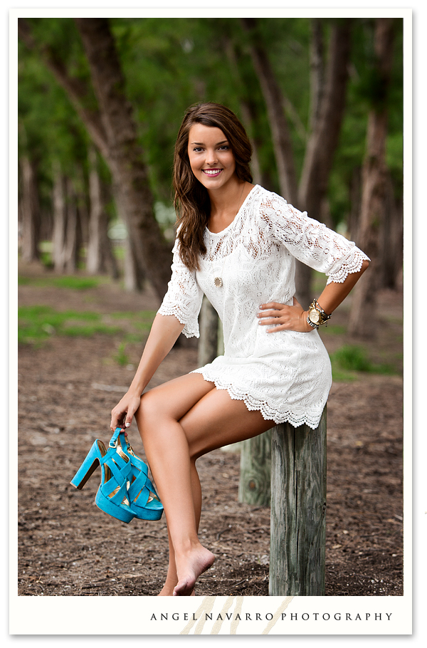 Barefoot High School Senior Pictures http://www.angelnavarroblog.com/amazing-high-school-senior-pictures/