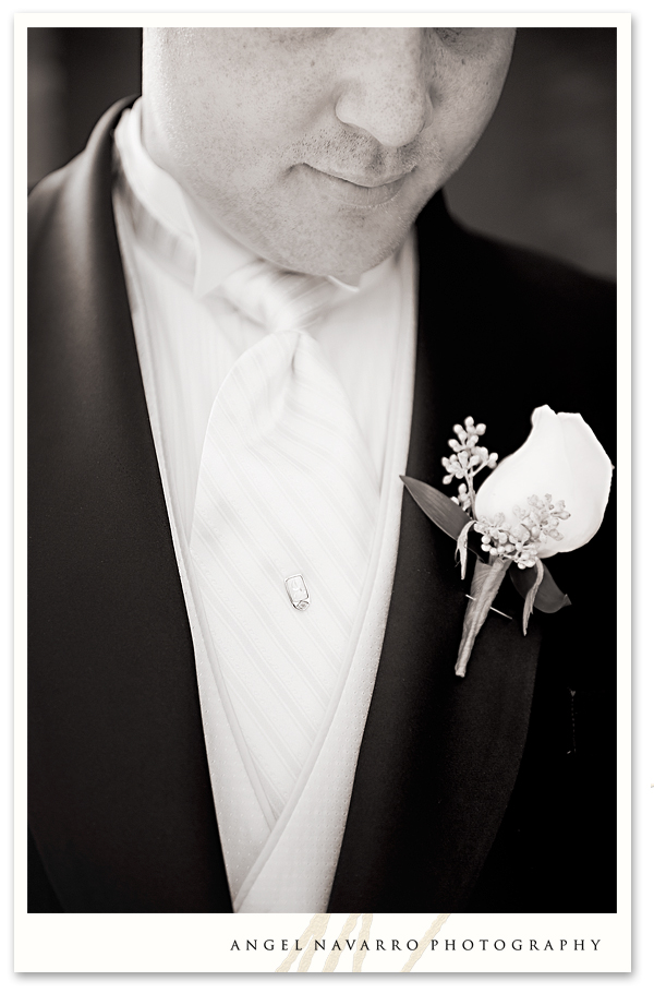 Close-up photo of groom before the ceremony.